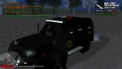 """Lietuviškojo """"ARAS"""" pareigūno bei lietuviškojo 'FBI TRUCK"""" mašinos ekspozicija."""